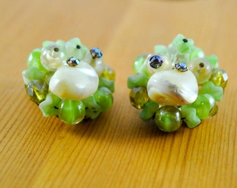 Clip-on Earrings, Green and White beads with Pearls Costume Jewelry, Vintage Jewelry
