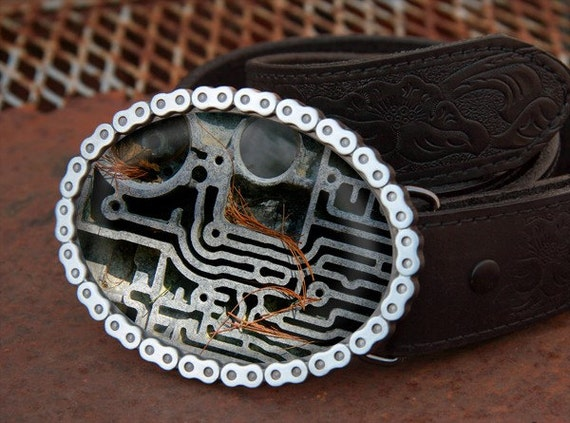 Belt Buckle Engine Maze - 3.75w x 3h Oval Motorcycle Chain with brushed silver coloring Rustic gifts for men man woman