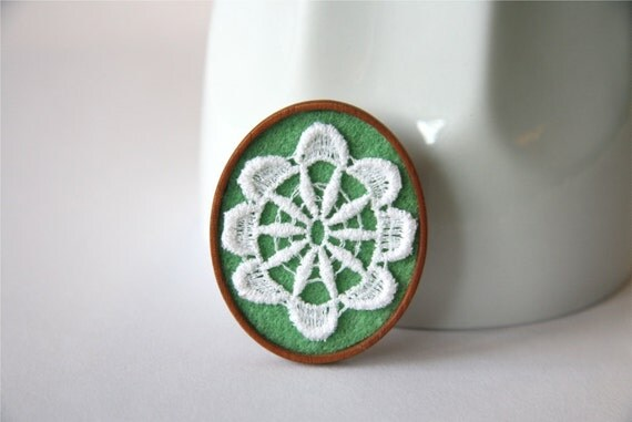 White Vintage Lace on Mint Green Felt Wooden Brooch, Lace and Mahogany Series