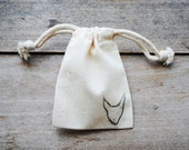 Set of 5 Muslin Drawstring Bags Stamped with a Cat Head