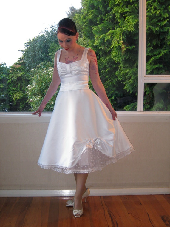 Items similar to plus sized wedding dress in full skirted for Pin up inspired wedding dresses