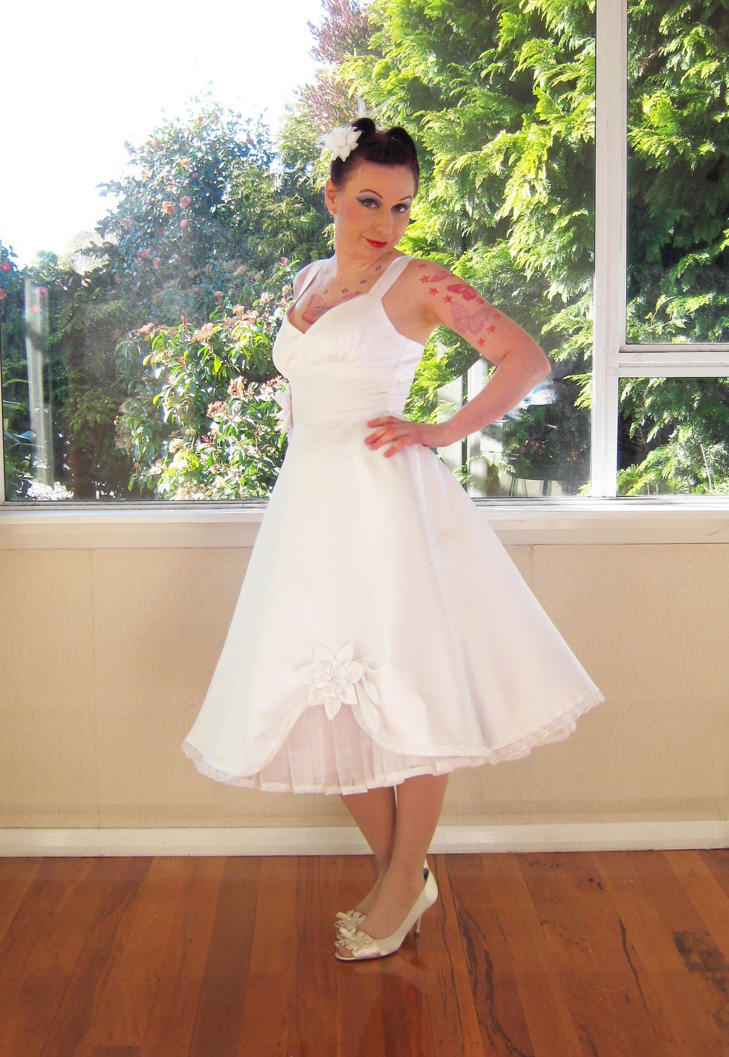 Wedding dress 50s rockabilly pin up full skirt style for Wedding dress pick up style