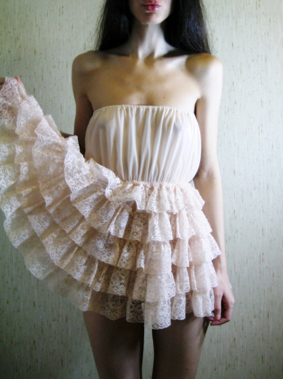 beloved - vintage 50s revived lovely pale pink tiered lace dress/blouse