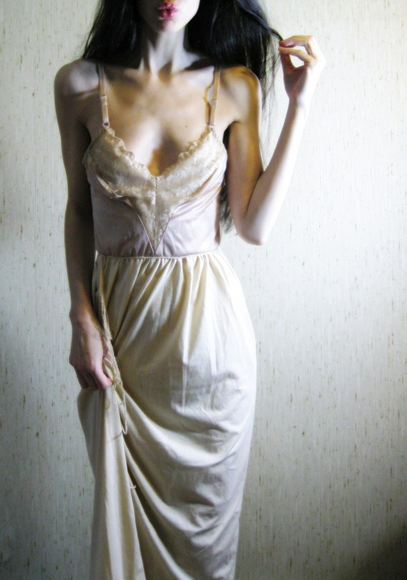 french café - vintage 60s revived lovely caramel organic supima cotton lace dress
