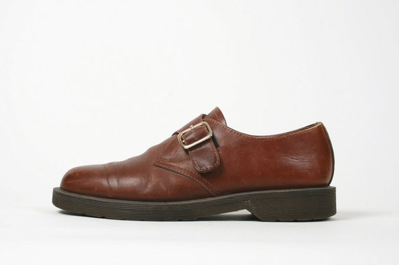 Vtg. 90s Brown Leather Buckle Up Oxfords. Docs. Androgynous. Cool. Simple Design. Size US 8