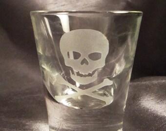 Custom Etched Skull and Crossbones Shot Glasses - Set of 2 - Pirate Shot Glasses - Shooters - Etched Shot Glasses - Custom Shot glasses