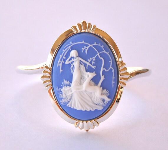 Bracelet Cuff Vintage Style Cameo Silver Tone