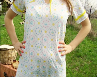 Vintage Floral Summer mini Dress with Yellow Frills