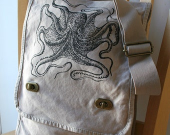 Octopus Canvas Field Bag Messenger Bag Laptop Bag