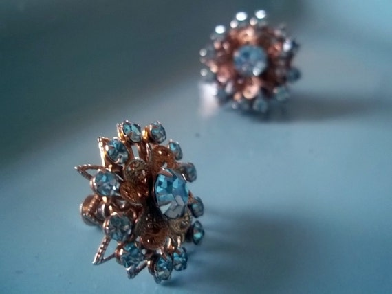Vintage 1950s  Costume Jewelry - Blue Rhinestone Filagree Screwback  Earrings