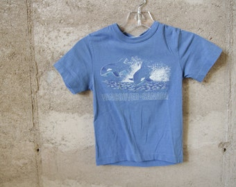 vintage KIDS vancouver CANADA sheer WHALE navy blue t shirt