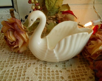 Vintage Ceramic White Swan Dish, CF-5950, National Potteries Bedford Ohio, Home Decor Housewares Shabby Chic Cottage