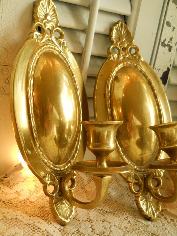 Vintage Pair Of Brass Wall Candleholders, Shell Design Huge Oval To Reflect Flame Flickering Home Decor Victorian Paris Apt Brass Antiques