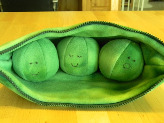 Plush Baby Toy 3 Peas In A Pod