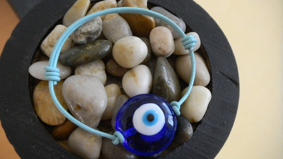 Evil Eye Leather Bracelet - Protects you from danger and misfortune - Choose Leather Color