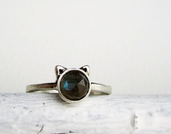 Gray Cat Ring, Labradorite Sterling Silver Ring, MADE TO ORDER