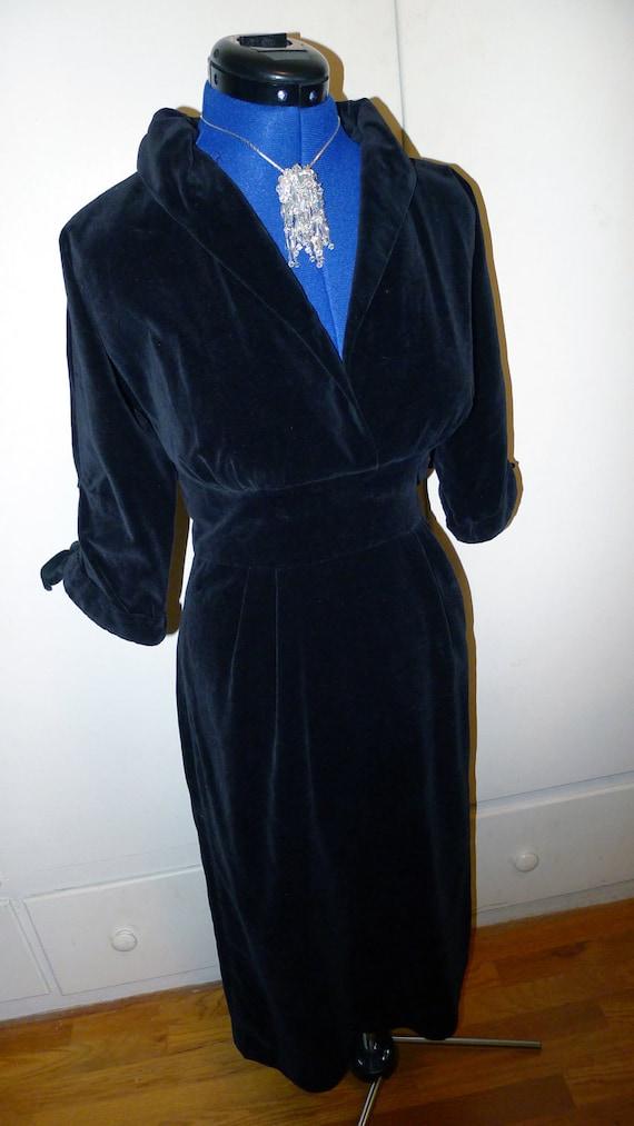 Sophisticated 1940s Black Velvet Film Noir Evening Dress--Medium