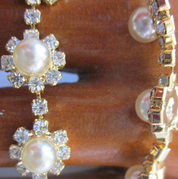 Perfect Pearl And Rhinestone Bracelet