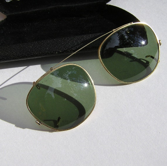 Vintage Green Clip on Sunglasses