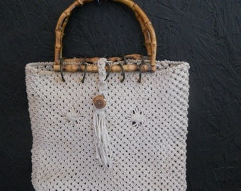 SALE Vintage 60s 70s Hippie Purse . MACRAME Bucket Bag