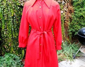60s 70s BURNT ORANGE Trench Coat / 1960s Pintucked Fitted Spy Coat / Rain Coat Sm