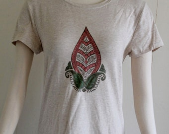 Sonoma lifestyle everyday tee soft heather oatmeal tee hand block printed painted large floral henna motif cotton tshirt