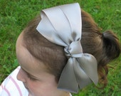 girl's bow headband, gray