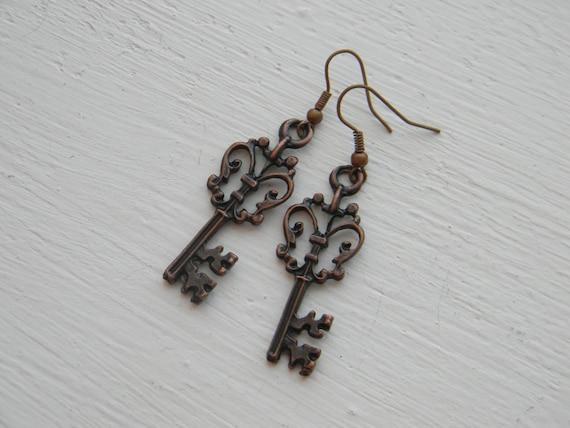 vintage key earrings -gift for her under 15, 20,25