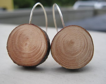 Woodland Evergreen Wooden Round Earrings with Natural Bark, Wood Grain Lumberjack Eco-Friendly Accessory