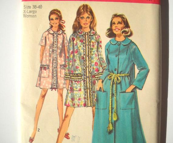 SALE --- Vintage 1960s Robe Pattern Size XL Bust 42 Simplicity 8458