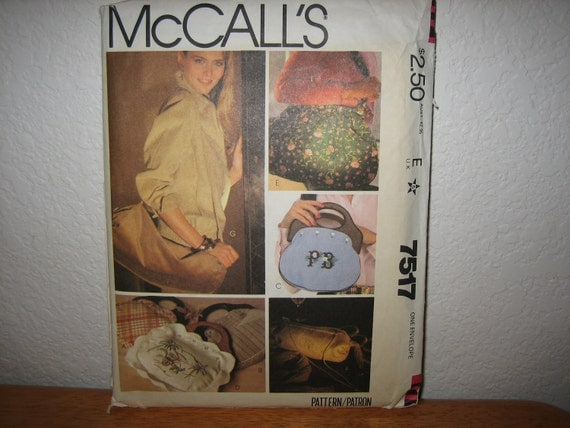 Vintage McCALL'S Pattern 7517 Bag Package With Blue Transfer 1981  Uncut
