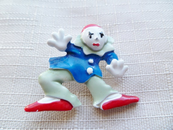 CLEARANCE SALE...60% OFF Vintage Enameled Mime Pin