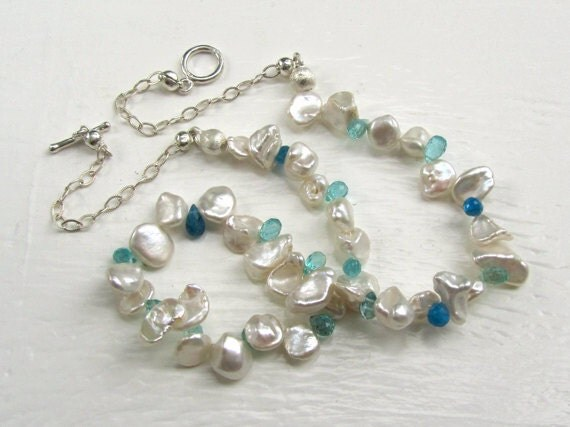 Blue Topaz and White Pearl Bridal Necklace : Bridal Jewelry, Handmade Wedding Jewelry, Beach Jewelry, Beach Wedding, Unique Jewelry