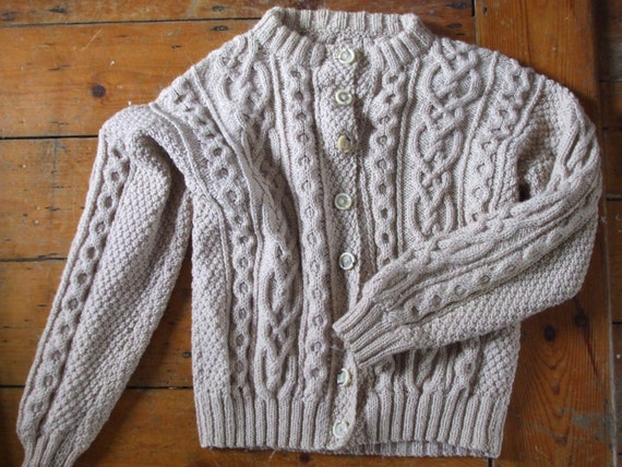 Stunning sand beige wool cable Aran handknit cardigan L immaculate
