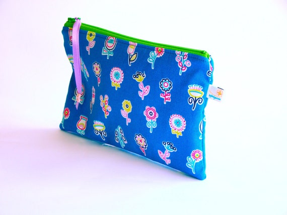 Zipper pencil case. Cosmetic pouch. Flower print. Ready to ship
