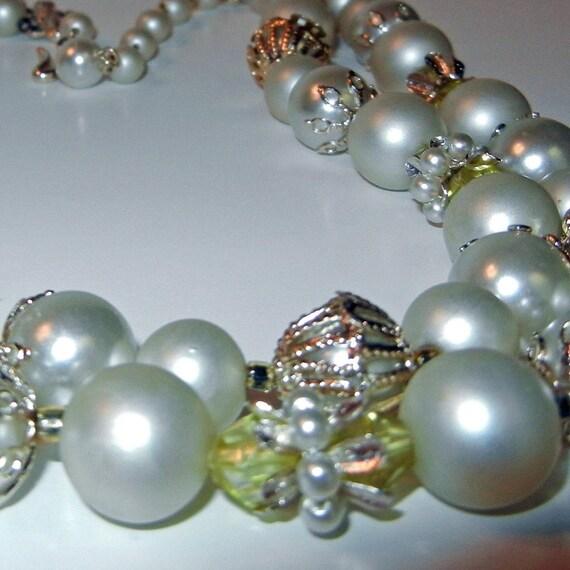 Vintage JAPAN Pearlized Bead Necklace Mid Century Bridal Prom