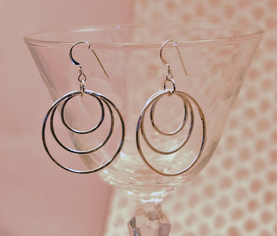 Circle Drop Earrings, Silver Circle Earrings, Hammered Graduated Circle Earrings, Geometric Jewelry, Gyspy Hoops