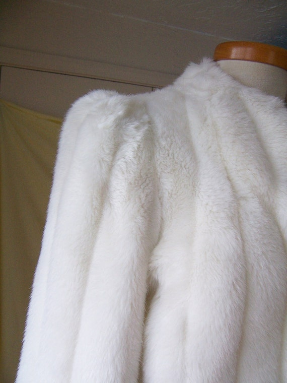 RESERVED vintage 70's white faux arctic fox fur coat jacket MED
