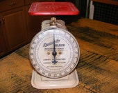vintage Trustworthy  Deluxe kitchen scale