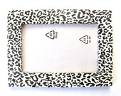 Black and white leopard pattern photo frame