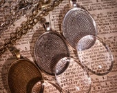 30 piece - 10 COMPLETE Pendant Necklace making Kits  - High Quality 30 x 40mm Cameo Oval Pendant Tray with matching Glass and Chain necklace