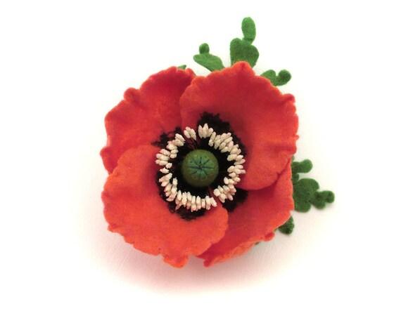 Felt flower brooch coral Poppy