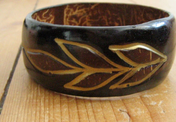 70s Bangle Bracelet Carved Wood Painted in Brown and Gold