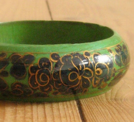 Vintage 70s Handpainted Wooden Bangle Bracelet  Green with Blue and Gold Hippie Boho Style Flower Pattern