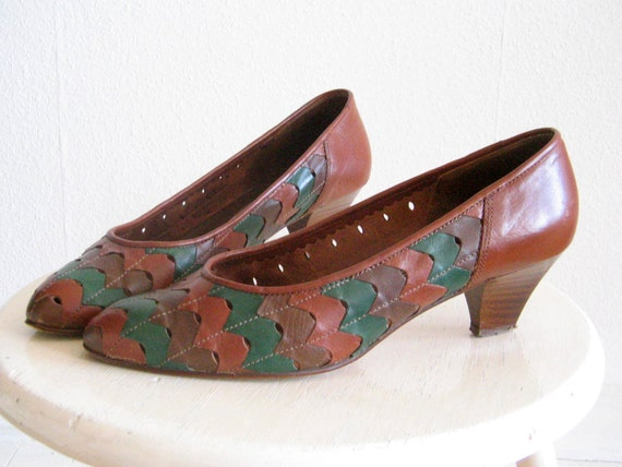 Vintage 80s Pumps Size 7 Brown Patchwork Leather Shoes with Wooden Heel High Heels