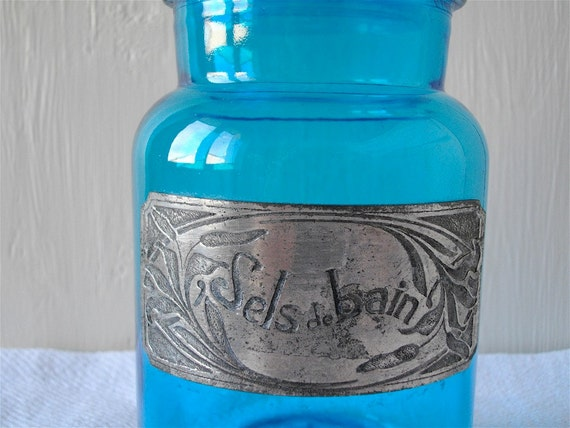 DISCOUNT of 15 % to 31 august 2012. Enter the code promo: HOLIDAYS2012   French Vintage Pot Bath Salts in Glass with Metal Tag