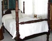 Antique French Marseilles Daisy & Chrysanthemum Patterned Bedspread/Coverlet