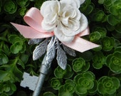 Skeleton Key Boutonniere - Ivory and Peach
