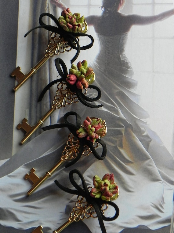 Boutonniere - Key To Your Heart