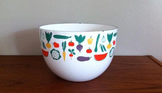 Arabia Wartsila Finland Enamel Finel Vegetable and Fruit Bowl